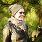 Courtnee looking far too satisfied saying hello too a tree